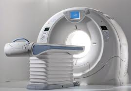 A photo of a CT scanner.
